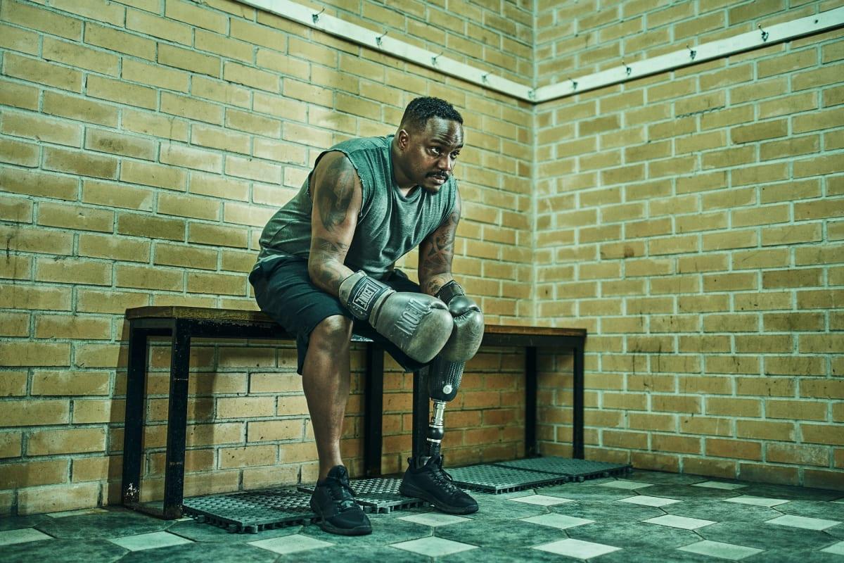 Sandro Borges beim Boxen mit seiner Fußprothese Pro-Flex XC